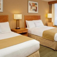 Отель DoubleTree by Hilton Columbus/Worthington США, Колумбус - отзывы, цены и фото номеров - забронировать отель DoubleTree by Hilton Columbus/Worthington онлайн комната для гостей фото 5