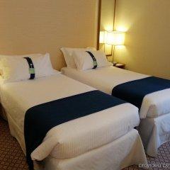 Отель Holiday Inn Milan Linate Airport Италия, Пескьера-Борромео - отзывы, цены и фото номеров - забронировать отель Holiday Inn Milan Linate Airport онлайн комната для гостей фото 3