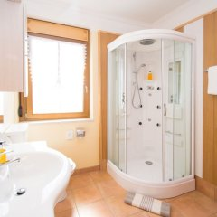 Отель Das Bergland - Vital & Activity Италия, Горнолыжный курорт Ортлер - отзывы, цены и фото номеров - забронировать отель Das Bergland - Vital & Activity онлайн ванная