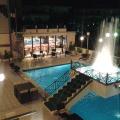 Rainbow Hotel бассейн