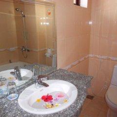 Отель Bach Dang Hoi An Hotel Вьетнам, Хойан - отзывы, цены и фото номеров - забронировать отель Bach Dang Hoi An Hotel онлайн ванная