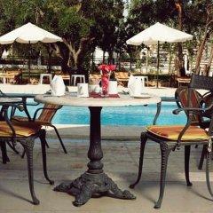 Century Park Hotel бассейн