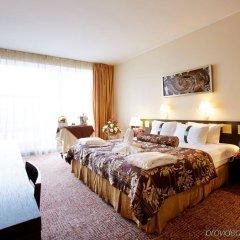 Гостиница Holiday Inn Chelyabinsk - Riverside комната для гостей