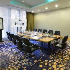 Отель Hilton Dublin Kilmainham интерьер отеля
