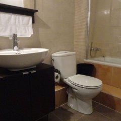 Отель BruStar Gotic Испания, Барселона - отзывы, цены и фото номеров - забронировать отель BruStar Gotic онлайн ванная