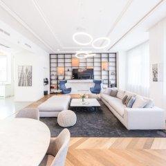 Апартаменты Oasis Apartments - Broadway I гостиничный бар