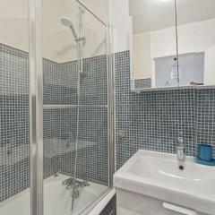 Отель 4 personnes appartement - Alésia Франция, Париж - отзывы, цены и фото номеров - забронировать отель 4 personnes appartement - Alésia онлайн ванная