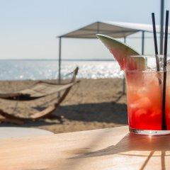 Отель Coral Blue Beach гостиничный бар