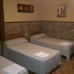 Отель Pension Los Faroles Испания, Фуэнхирола - отзывы, цены и фото номеров - забронировать отель Pension Los Faroles онлайн комната для гостей фото 2