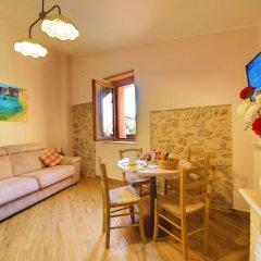 Отель Casa Vacanze La Portella Италия, Фонди - отзывы, цены и фото номеров - забронировать отель Casa Vacanze La Portella онлайн комната для гостей фото 2