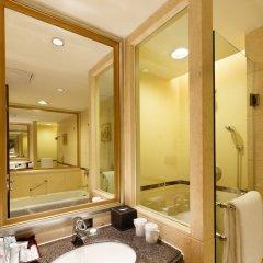 Отель Guangzhou Grand International Hotel Китай, Гуанчжоу - 8 отзывов об отеле, цены и фото номеров - забронировать отель Guangzhou Grand International Hotel онлайн ванная