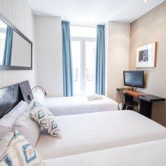 Отель Petit Palace Plaza de la Reina комната для гостей фото 2