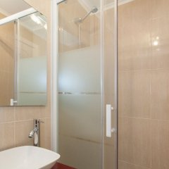 Отель Lisbon Inn Португалия, Лиссабон - отзывы, цены и фото номеров - забронировать отель Lisbon Inn онлайн ванная фото 2