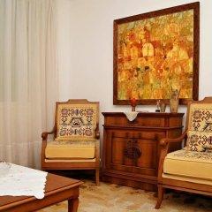 Отель Guest House De Charme Pri Baba Lili Болгария, Кюстендил - отзывы, цены и фото номеров - забронировать отель Guest House De Charme Pri Baba Lili онлайн комната для гостей фото 4