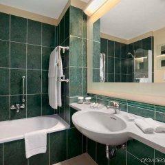 Отель Hilton Garden Inn Rome Airport Италия, Фьюмичино - 2 отзыва об отеле, цены и фото номеров - забронировать отель Hilton Garden Inn Rome Airport онлайн ванная фото 2