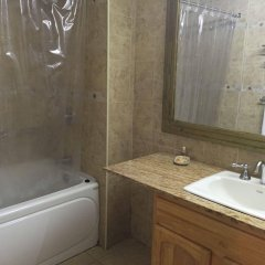 Отель Cobblestone Inn ванная