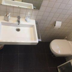 Отель Apkeys Barcino Balmes Испания, Барселона - отзывы, цены и фото номеров - забронировать отель Apkeys Barcino Balmes онлайн ванная фото 2