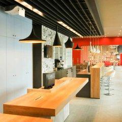 Отель Ibis Sofia Airport Болгария, София - 10 отзывов об отеле, цены и фото номеров - забронировать отель Ibis Sofia Airport онлайн питание фото 3