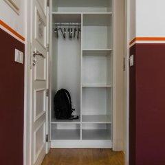 Hostel 4U Lisboa сейф в номере