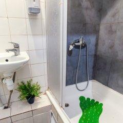 Отель Pogo Hostel Литва, Вильнюс - 14 отзывов об отеле, цены и фото номеров - забронировать отель Pogo Hostel онлайн ванная фото 2