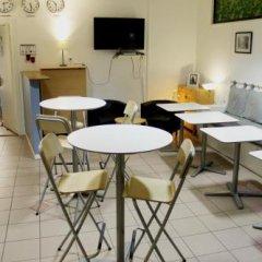 Отель City Lodge Stockholm Швеция, Стокгольм - 1 отзыв об отеле, цены и фото номеров - забронировать отель City Lodge Stockholm онлайн питание фото 3