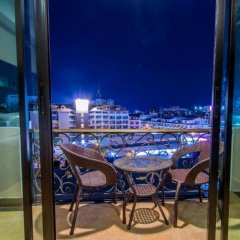 Nida Rooms Regal Marble Hotel балкон
