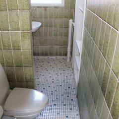 Отель Valmuevej Apartment Дания, Копенгаген - отзывы, цены и фото номеров - забронировать отель Valmuevej Apartment онлайн ванная фото 2