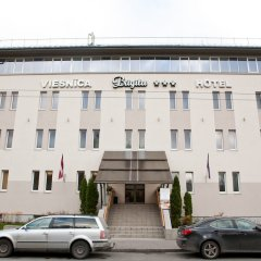 Отель Kolonna Brigita Рига парковка