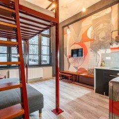 Отель RentPlanet - Apartamenty Graffiti Польша, Вроцлав - отзывы, цены и фото номеров - забронировать отель RentPlanet - Apartamenty Graffiti онлайн комната для гостей