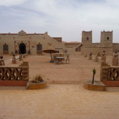 Отель Kasbah Bivouac Lahmada Марокко, Мерзуга - отзывы, цены и фото номеров - забронировать отель Kasbah Bivouac Lahmada онлайн балкон