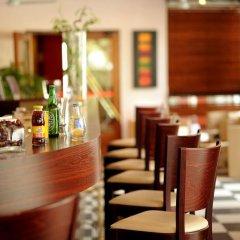 Отель Hôtel Ibis Toulouse Purpan Франция, Тулуза - отзывы, цены и фото номеров - забронировать отель Hôtel Ibis Toulouse Purpan онлайн питание фото 3