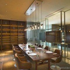 Отель Conrad Tokyo Япония, Токио - отзывы, цены и фото номеров - забронировать отель Conrad Tokyo онлайн питание фото 2