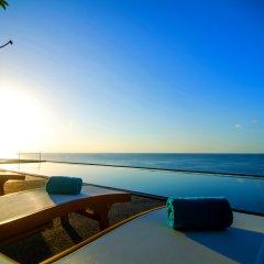Отель Surin Beach Resort бассейн