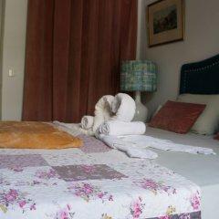 White and Grey Lisbon - Hostel сейф в номере