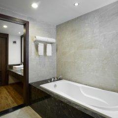 Authentic Hanoi Boutique Hotel 4* Люкс с различными типами кроватей фото 13