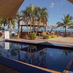 Smugglers Cove Beach Resort and Hotel бассейн фото 2