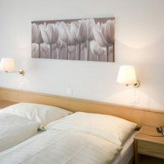 Hotel Strela сейф в номере