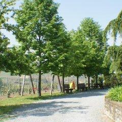 Отель Azienda Agrituristica Costa dei Tigli Костиглиоле-д'Асти парковка