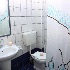Отель Happy Days Studios ванная фото 2