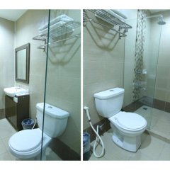 Отель OYO 106 24H City Hotel Филиппины, Макати - отзывы, цены и фото номеров - забронировать отель OYO 106 24H City Hotel онлайн ванная