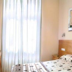 Отель Hostal Santillan Испания, Мадрид - отзывы, цены и фото номеров - забронировать отель Hostal Santillan онлайн комната для гостей фото 5