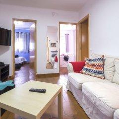 Отель Atico Terraza And Barbacoa Park Guell Барселона комната для гостей фото 2