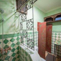 Отель Riad Dar Guennoun Марокко, Фес - отзывы, цены и фото номеров - забронировать отель Riad Dar Guennoun онлайн ванная фото 2
