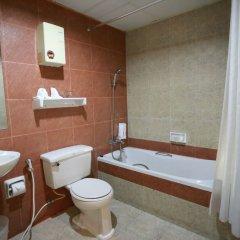 Отель Travel Lodge Suriwongse - Adult only Таиланд, Бангкок - отзывы, цены и фото номеров - забронировать отель Travel Lodge Suriwongse - Adult only онлайн ванная