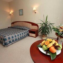 Отель Lilia Болгария, Варна - 1 отзыв об отеле, цены и фото номеров - забронировать отель Lilia онлайн комната для гостей фото 2