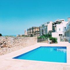 Отель Inhawi Hostel Мальта, Слима - 1 отзыв об отеле, цены и фото номеров - забронировать отель Inhawi Hostel онлайн бассейн фото 3