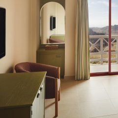 Отель Movenpick Nabatean Castle Hotel Иордания, Вади-Муса - отзывы, цены и фото номеров - забронировать отель Movenpick Nabatean Castle Hotel онлайн комната для гостей фото 5