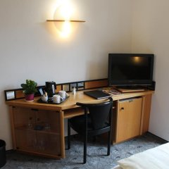 Отель Villa Waldperlach Германия, Мюнхен - отзывы, цены и фото номеров - забронировать отель Villa Waldperlach онлайн удобства в номере фото 2