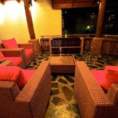 Отель The Chalet Phuket Resort Таиланд, Пхукет - отзывы, цены и фото номеров - забронировать отель The Chalet Phuket Resort онлайн бассейн