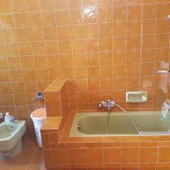 Отель Altura B&B Фонди ванная фото 2